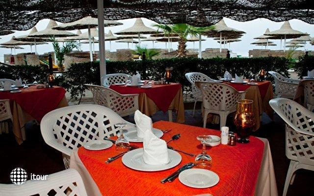 Dessole Aladdin Beach Resort 14