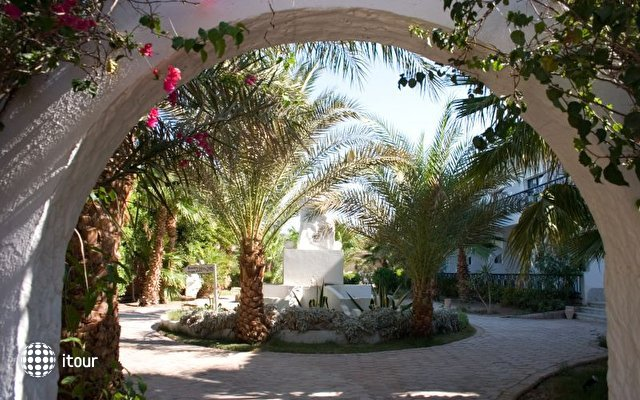Dessole Aladdin Beach Resort 12