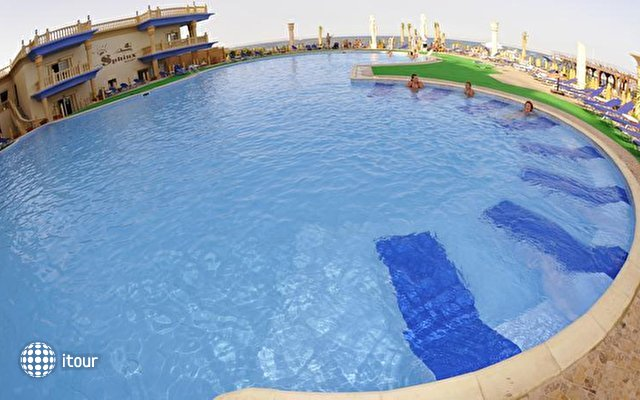 Sphinx Aqua Park Beach Resort 2