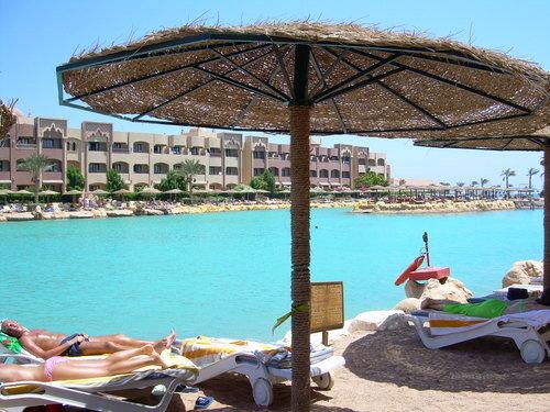 Sunny Days El Palacio 8