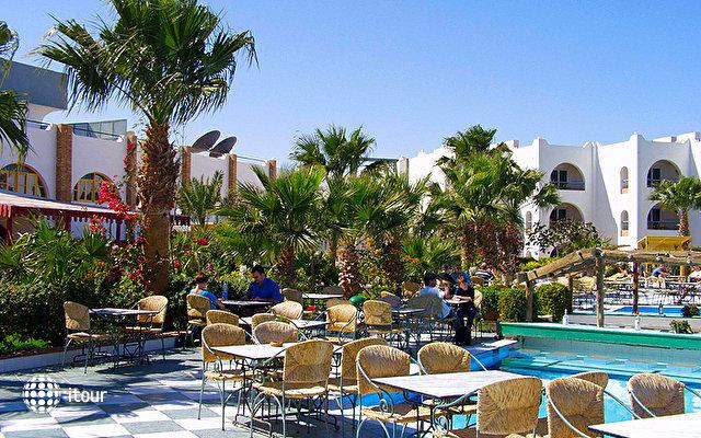Arabia Azur Resort 3