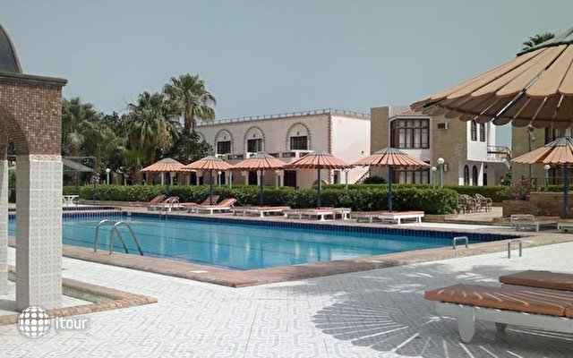 Al Mashrabiya Beach Resort 4