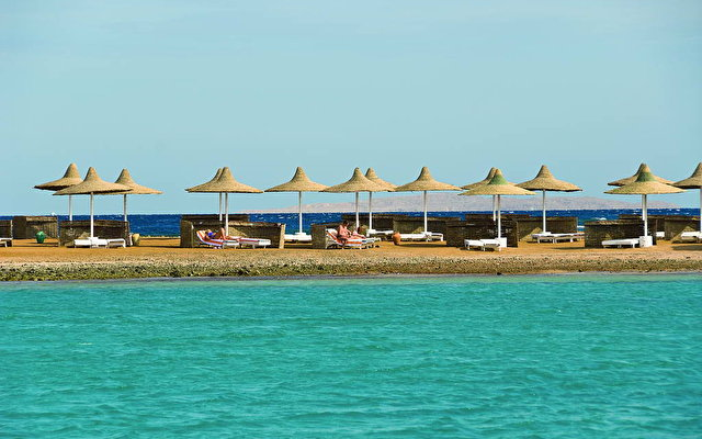 Coral Beach Rotana Resort 2