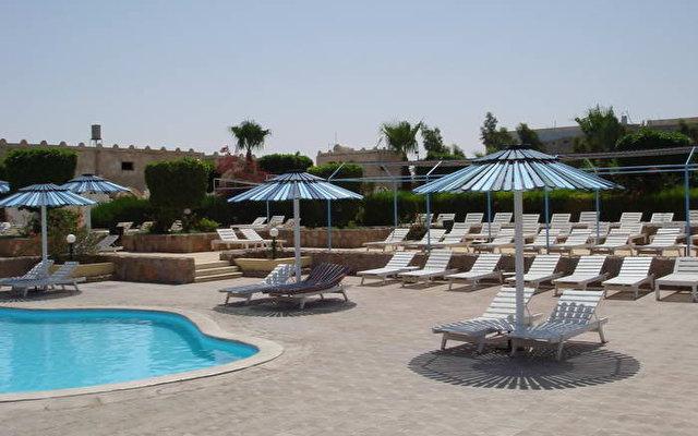 Desert Inn 2