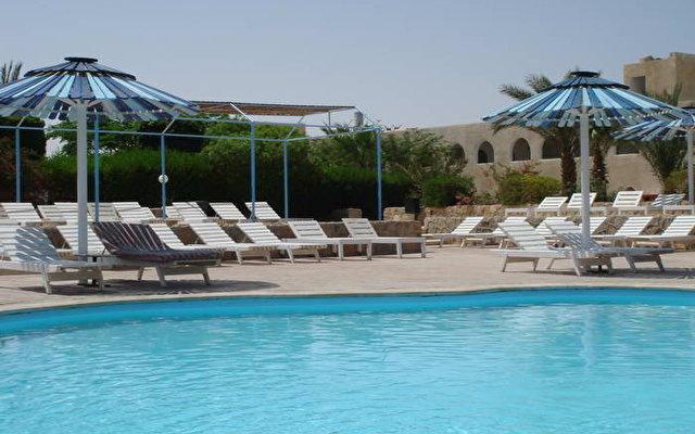 Desert Inn 7