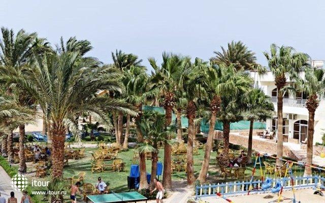 The Three Corners Triton Empire Beach Resort 3
