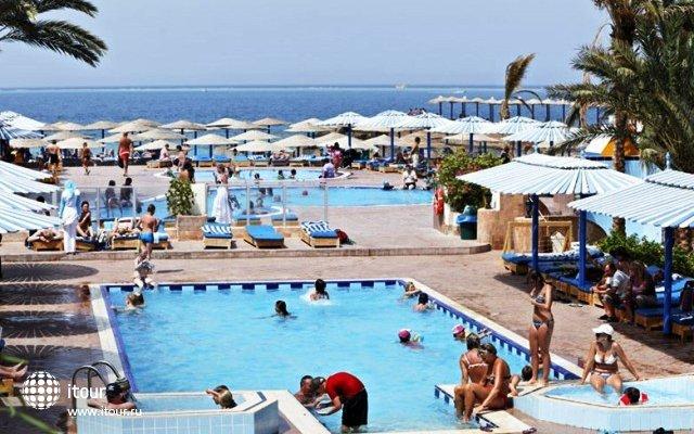 The Three Corners Triton Empire Beach Resort 9