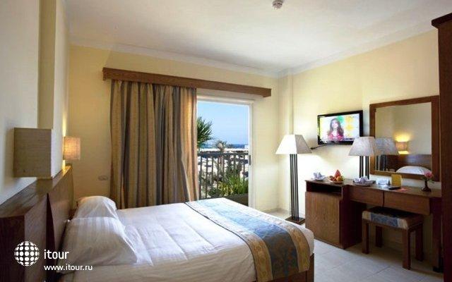 The Three Corners Triton Empire Beach Resort 6