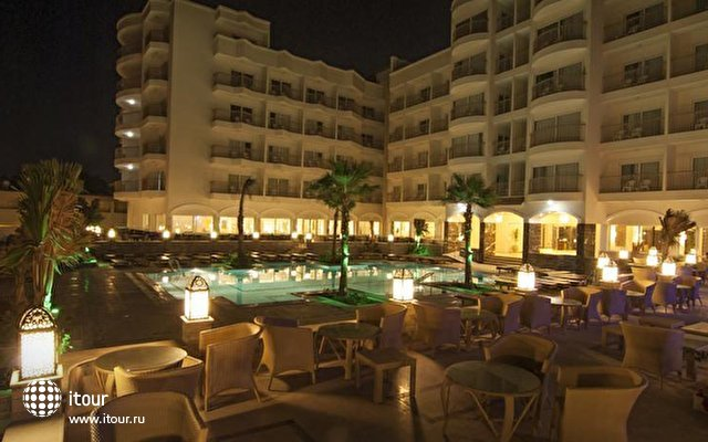 The Three Corners Royal Star Beach Resort 1