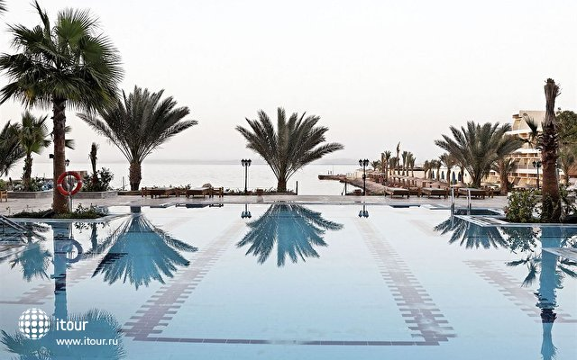 The Three Corners Royal Star Beach Resort 2