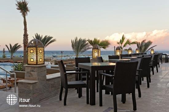 The Three Corners Royal Star Beach Resort 7