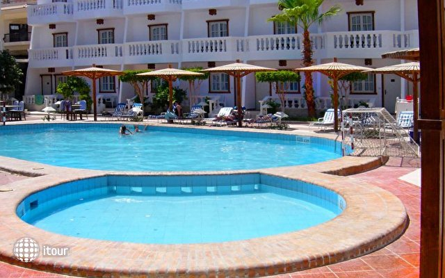 Zak Royal Wings Hotel 2