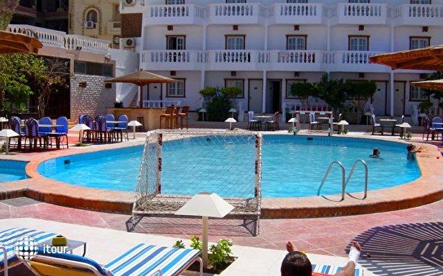 Zak Royal Wings Hotel 3