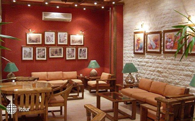 Zak Royal Wings Hotel 7