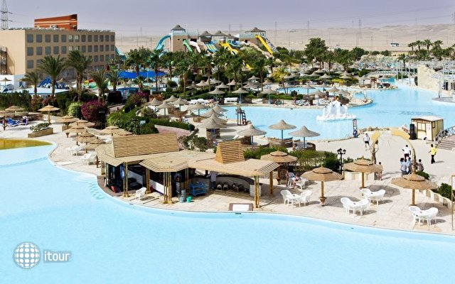 Titanic Resort & Aqua Park 1