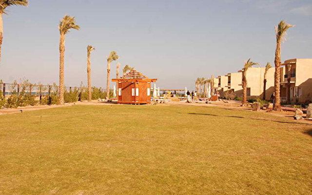 Yara Beach Club 5