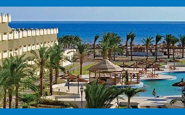 Amwaj Blue Beach Resort & Spa 1
