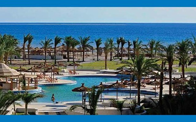 Amwaj Blue Beach Resort & Spa 2