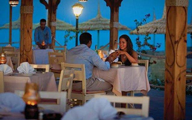 Amwaj Blue Beach Resort & Spa 7