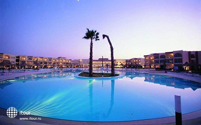 Club Azur 10