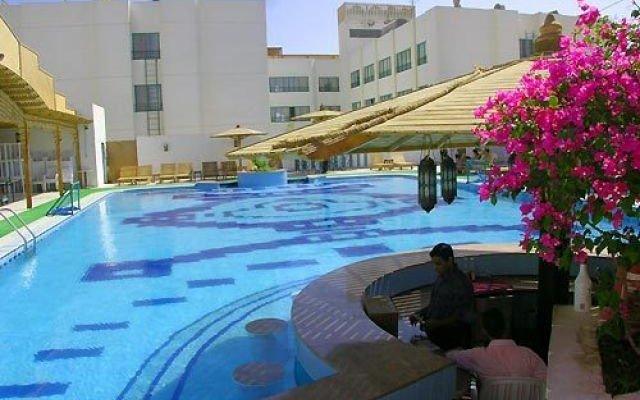 Amira Hotel 1