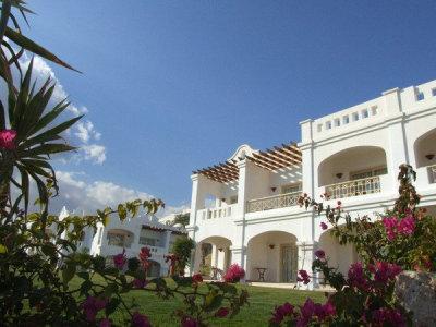 Continental Plaza Beach Resort (ex. Inter Plaza Beach Hotel) 9