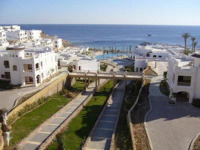 Continental Plaza Beach Resort (ex. Inter Plaza Beach Hotel) 4