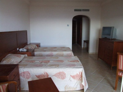 Continental Plaza Beach Resort (ex. Inter Plaza Beach Hotel) 10