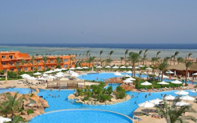 Amwaj Oyoun Hotel And Resort 1