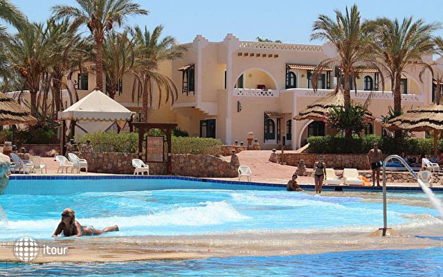 Club El Faraana Reef 7