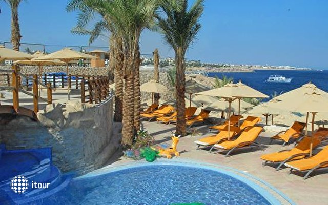Xperience Sea Breeze Resort 3