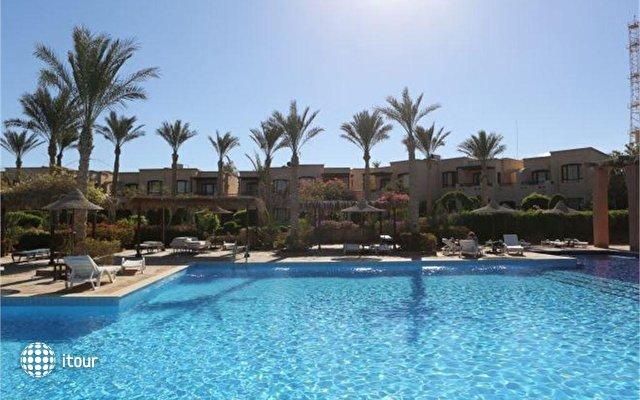 Tamra Beach Resort 3