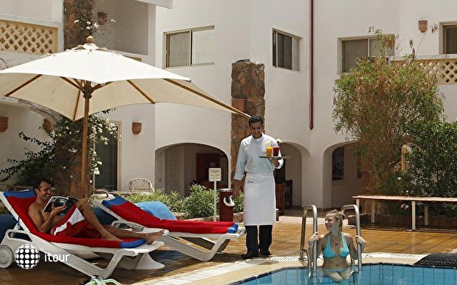 Camel Dive Club & Hotel 5