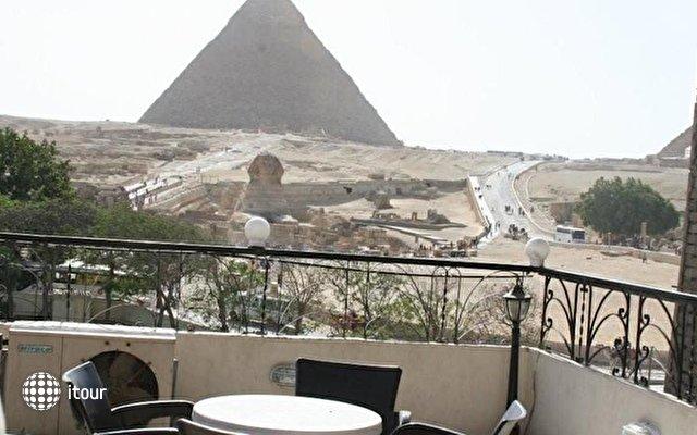 Pyramids View Inn 10