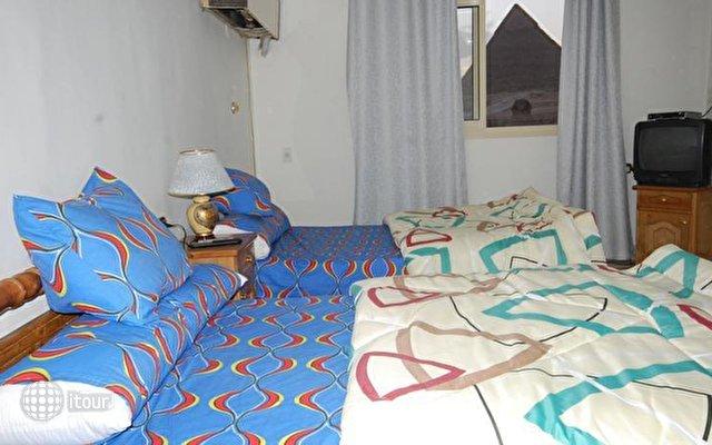 Pyramids View Inn 8
