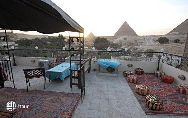 Pyramids View Inn 9