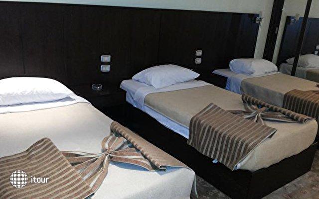 Swiss Inn Hotel 4