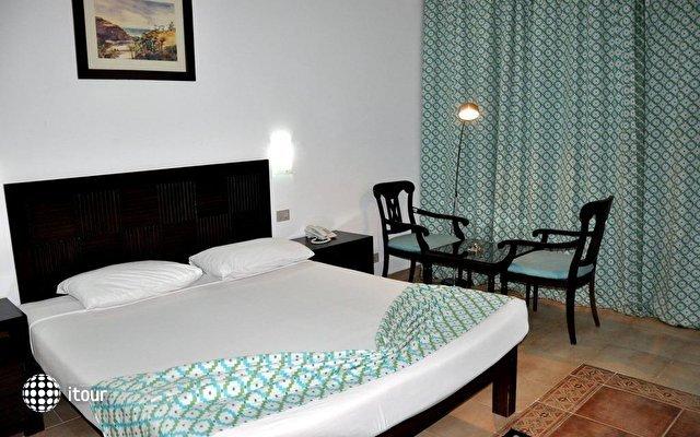 Elphistone Resort Marsa Alam 6