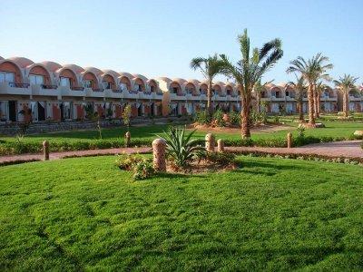 Holiday Beach Resort Marsa Alam 1