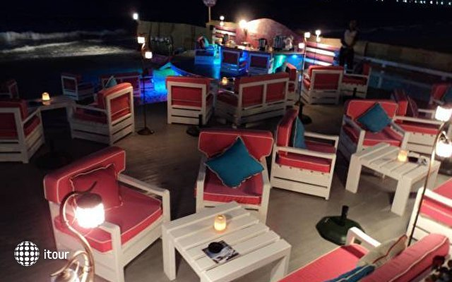 Paradise Beach Resort 7