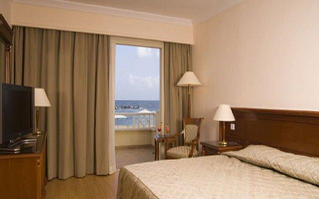 Mediterranean Azur 6