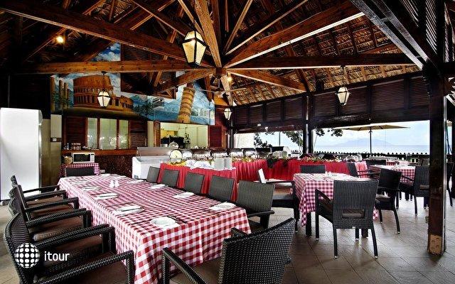 Berjaya Beau Vallon Bay Resort & Casino 9