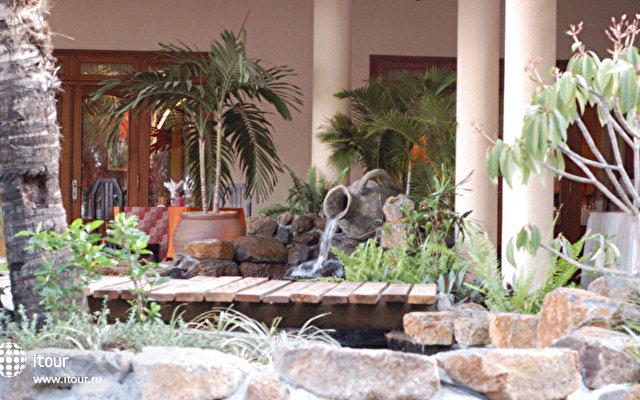 Aanari Hotel & Spa 2