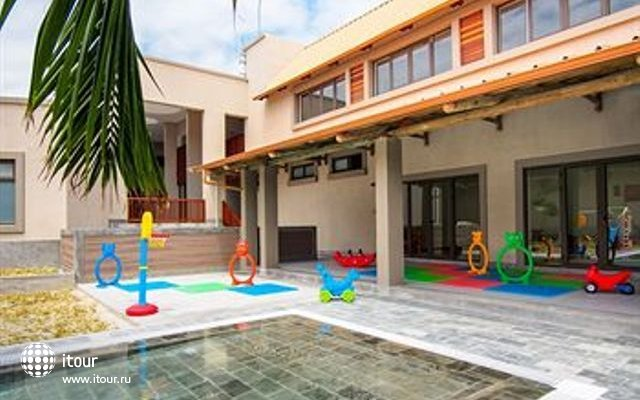 Crystals Beach Resort & Spa 1