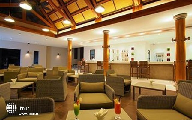 Crystals Beach Resort & Spa 4