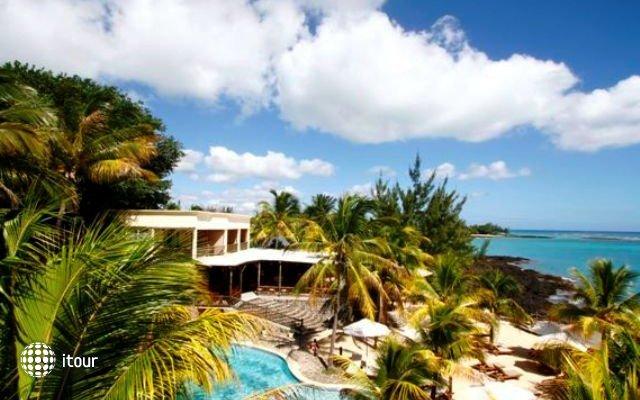 Hibiscus Beach Resort & Spa 8
