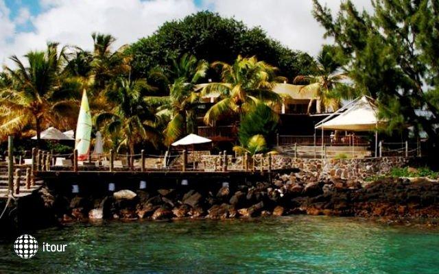 Hibiscus Beach Resort & Spa 2