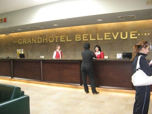 Bellevue 8