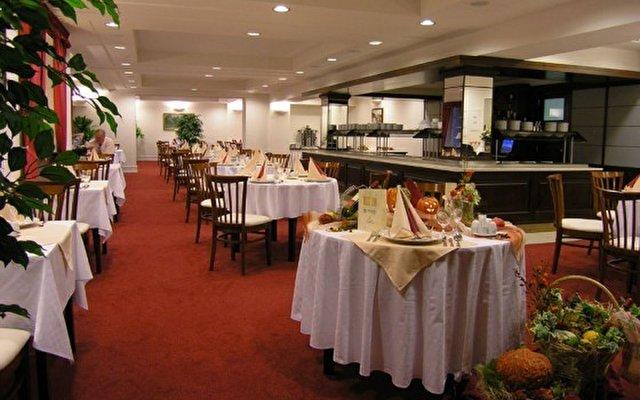 Grand Hotel Strand 8
