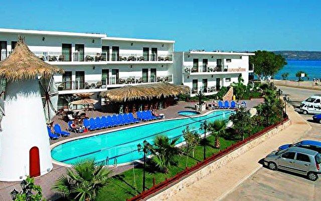 Almyrida Beach Hotel & Studios 1